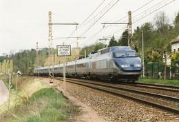 Fontaine-le-Port. Rame TGV Pendulaire Expérimentale P 01. Marche D'essais. Cliché Pierre Bazin. 23-04-1998 - Treinen