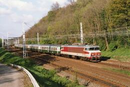 Sibelin. Locomotive CC 6545 + Voitures USI. Train 17225 Mâcon - Avignon. Cliché Pierre Bazin. 21-04-2005 - Trains