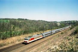 Etampes-Rampe De Guillerval. Locomotive CC 6512. Train 4407 Paris-Austerlitz - Brive. Cliché Pierre Bazin. 31-03-1997 - Trains