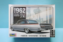 Revell - CHEVROLET IMPALA SS Hardtop 1962 3'N1 Maquette Kit Plastique Réf. 14466 85-4466 NBO 1/25 - Automobili
