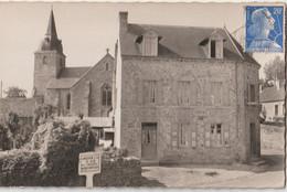 CPSM  Saint Glen  (22) Son église,   L' Hôtel Lelèvrier Rénové    Panneau Indicateur Michelin   Ed Gaby   RARE - Sonstige Gemeinden