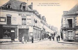 72 - CHATEAU Du LOIR Rue Nationale Direction TOURS - Animation Commerces HOTEL De L'UNIVERS - Jolie CPA - Sarthe - Chateau Du Loir