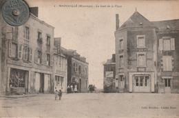 53 - Carte Postale Ancienne De  Andouillé   Le Haut De La Place - Autres Communes