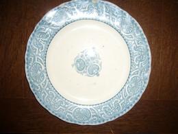Lot De 6 Assiettes Henri II Terre De Fer CM Avec Poinçons (4 Plates – 2 Creuses) - Plates