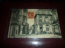 Carte Postale Normandie Calvados Saint Pierre Sur Dives Rue Carnot Et Du Boscq Animée - Dives
