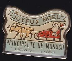 70678-Pin's-Monaco.UCAM.père Noel.Traineau. - Natale