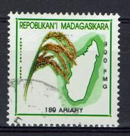 Madagascar, 900FMG, Culture Du Riz, 2001, Obl, TB - Madagaskar (1960-...)