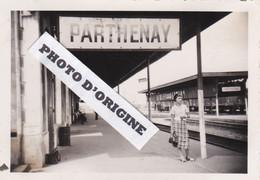 79 6 PARTHENAY - QUAI DE LA GARE - PHOTO DU 24 08 1937 - Parthenay