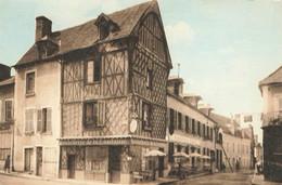 CHATEAURENARD : VIEILLE MAISON ET HOTEL DE LA FONTAINE - Altri Comuni