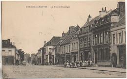 62 PERNES-en-ARTOIS  La Rue De Comblain - Other Municipalities