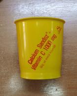 AC - SANDOZ CALCIUM SANDOZ VITAMIN C VINTAGE PLASTIC GLASS WITH BOTTLE OPENER - Medizinische Und Zahnmedizinische Geräte