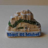 Fève 2001 MH La Normandie * Le Mont Saint-michel (T 1668) AFF 2001 Page 62 (moulin à Huile) - Regioni