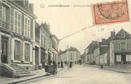 72 LA FERTE BERNARD - Un Coin De La Place - La Ferte Bernard