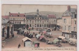CPA A13 LES ANDELYS-place Nicolas Poussin-marché-belle Carte Colorisée - Les Andelys