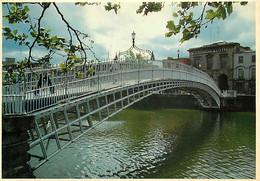 Irlande - Dublin - Ha'penny Bridge Over The River Liffey - Pont - Ireland - CPM - Voir Scans Recto-Verso - Dublin