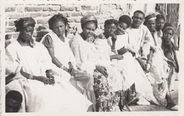 SAINT-LOUIS (Sénégal): Groupe De Jeunes Personnes - Senegal