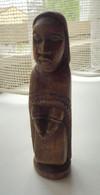 Jolie Statuette En Bois Représentant Une Religieuse - Legni