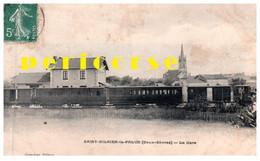79  Saint Hilaire Le Palud   Train En Gare ( Rare ) - Other Municipalities