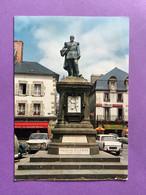 29    CPSM    LESNEVEN   Statue Du Général LE FLO   Voitures Dont Simca, Peugeot, Combi VW....   Très Bon état - Lesneven