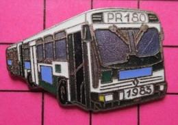 SP01 Pin's Pins / Beau Et Rare / THEME : TRANSPORTS / AUTOBUS URBAIN  BLEU  ET BLANC PR180 1983 Par COINDEROUX CORNER - Transportation