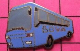 SP03 Pin's Pins / Beau Et Rare / THEME : TRANSPORTS / AUTOBUS ROUTIER BLEU AZUR SUISSE BOVA - Transportation