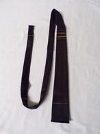 Cravate? Ancienne En Tergal- Au Sans Pareil à Lamalou Les Bains - Cravates