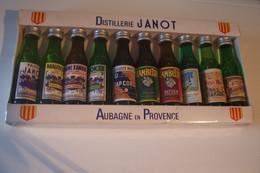"""AUBAGNE  - Distillerie  """" JANOT """"  10 X  MIGNONNETTES - Alcools"""