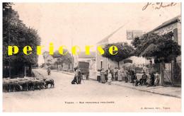 91  Tigery  Groupe De Personnes Devant Le Restaurant  Rue Principale Prolongée - Sonstige Gemeinden