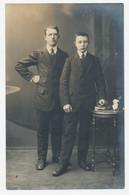 Fotokaart, Kabinetfoto - Originele Foto Van Leon Van Den Broeck-Schroeyens - Heyst-op-den-berg: Twee Mannen - Anonymous Persons