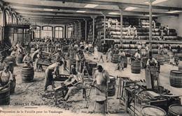 Publicité Champagne Moët Et Chandon: Préparation De La Futaille Pour Les Vendanges, Tonneliers - Carte De 1924 - Reclame