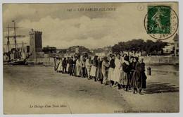 247 - LES SABLES D'OLONNE - Le Halage D'un Trois Mats - Sables D'Olonne