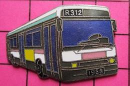 SP01 Pin's Pins / Beau Et Rare / THEME : TRANSPORTS / AUTOBUS URBAIN VERT BLANC ROSE Etc R312 1988 Par COINDEROUX CORNER - Transportation
