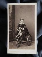 Photo CDV G. Berthault à Angers - Petit Garçon Sur Son Cheval Tricycle, Second Empire Circa 1865 L551 - Old (before 1900)