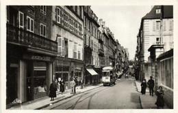 BREST  La Rue De SIAM Et La Prefecture Matitime Tram Commerces - Brest
