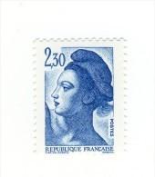 Liberté 2fr30 Bleu YT 2189d En GOMME MATE . Pas Courant , Voir Le Scan . Cote YT : 10 € , Maury N° 2194a : 7 € . - Varietà: 1980-89 Nuovi