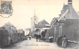 72 - CHAMPFLEUR ( Près MAMERS ) Le Bourg ( Animation Attelages ) CPA Village ( 1.340 Habitants) - Sarthe - Autres Communes