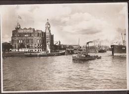 "Rotterdam, Ingang Rijnhaven - Holland Amerikalijn - Sleepboot Trekt De ""Eem"" - Rotterdam"