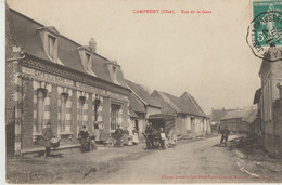Campremy  60  La Rue De La Gare  Tres Tres Animée Devant Café De La Gare-Epicerie-Mercerie Et Attelage Fourgon De Livrai - Otros Municipios