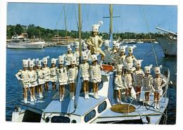 ANTIBES (06) - Mini  Majorettes D'Antibes Dans Le Port Gallice, à JUAN - Saint Die