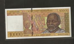 Madagascar, 10,000 Francs, 1994-1995 ND Issue - Madagascar