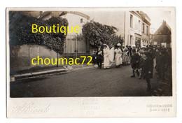 1502, Loir Et Cher, Savigny Sur Braye, Carte-Photo Briant, Un Mariage Descendant De L'Eglise Dans La Grande Rue, Non Voy - Other Municipalities