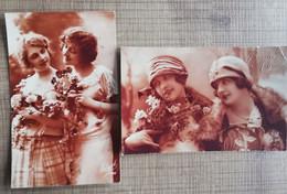 LOT 2 CPA FANTAISIE ART DECO Couple De Femmes, Regard Coquin... Fond Brun - Women