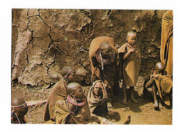 KENYA MASAI Femmes Et Enfants Devant Leur Hutte - Kenya