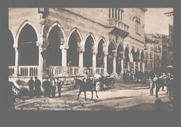 Die Siegreiche Offensive Gegen Italien - Udine - Die Deutsche Kommandatur Im Municipio - Photo Card - Guerra 1914-18