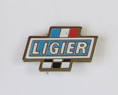 1 Pin's AUTOMOBILE/VOITURE - LIGIER Signé OPUS - Non Classés