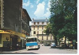 CPM - 04- AUTOBUS , DS - à BARCELONNETTE Vers 1970 - Boutique KODAK - TBE - - Autobús & Autocar
