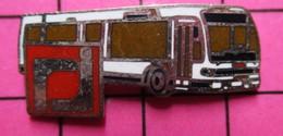 SP12 Pin's Pins / Beau Et Rare / THEME : TRANSPORTS / AUTOBUS URBAIN BLANC SUISSE - Transportation