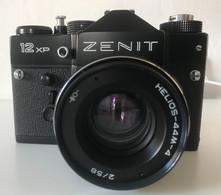 Appareil Photo Zenit 12xp + Lampe Praktica - Macchine Fotografiche