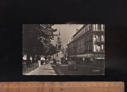 BOURG EN BRESSE Ain 01 : Avenue Alsace Lorraine Square Lalande / Automobile Panhard Dyna X / Commerces - Non Classés