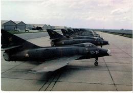 CPM FRANCE THEMES MILITARIA AERONAUTIQUE - Base Aérienne 103 De Cambrai - Super Mystère B2 - Material